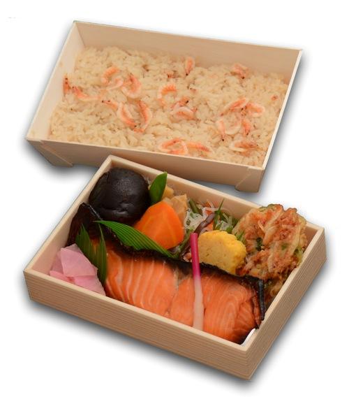 魚弁当(鮭)桜えびめし 600.jpg